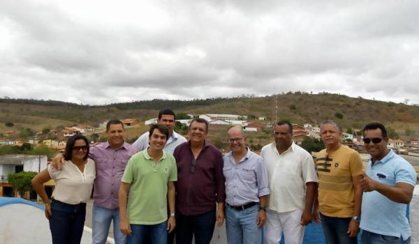Imagens da Engenheiro do DNIT Visita Ponto de Instalação de Passarrla no Distrito do Zuca