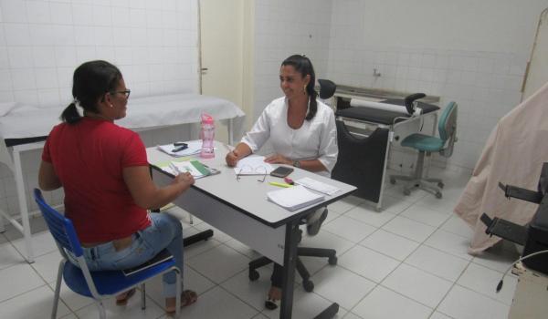 Imagens da Governo da Reconstrução, disponibiliza médica ginecologista para atender a população