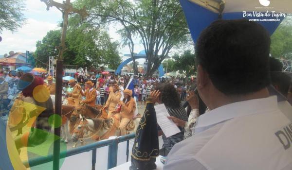 Imagens da 37ª Missa dos Vaqueiros é realizada na Praça Rui Barbosa, em Boa Vista do Tupim-BA