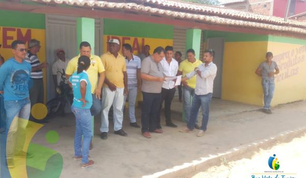 Imagens da Prefeito entrega ordem de serviço para construção da Praça do Coqueiro, no Assentamento Beira Rio