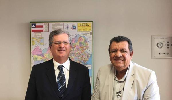Prefeito visita deputado em Brasília e solicita recursos