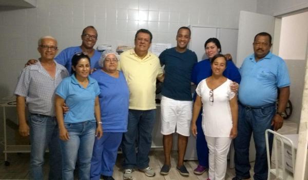 Prefeito visita hospital municipal e elogia trabalho dos profissionais