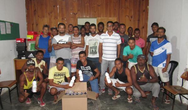 Prefeitura de Boa Vista do Tupim entrega uniformes para a Seleção, que estréia domingo contra Itaberaba