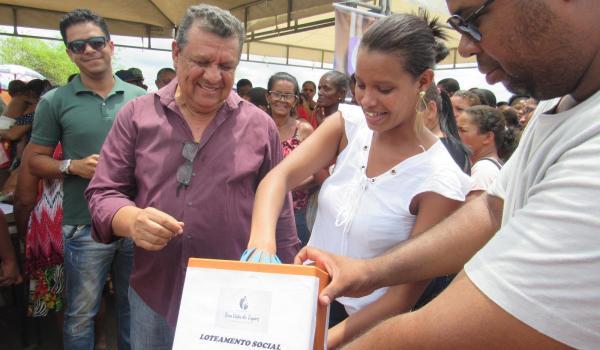 Prefeitura Municipal de Boa Vista do Tupim-BA sorteia 404 lotes sociais